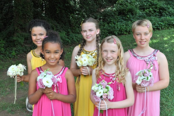 Have you seen sweeter Jr. bridesmaids?